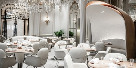 alain-ducasse-au-plaza-athenee-restaurant-room